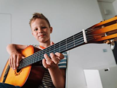 Zajecia dla dzieci gitara